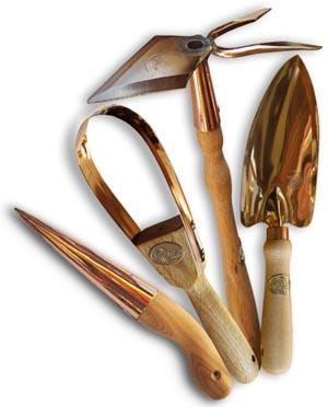 Kleine Kupferwerkzeuge für den Garten